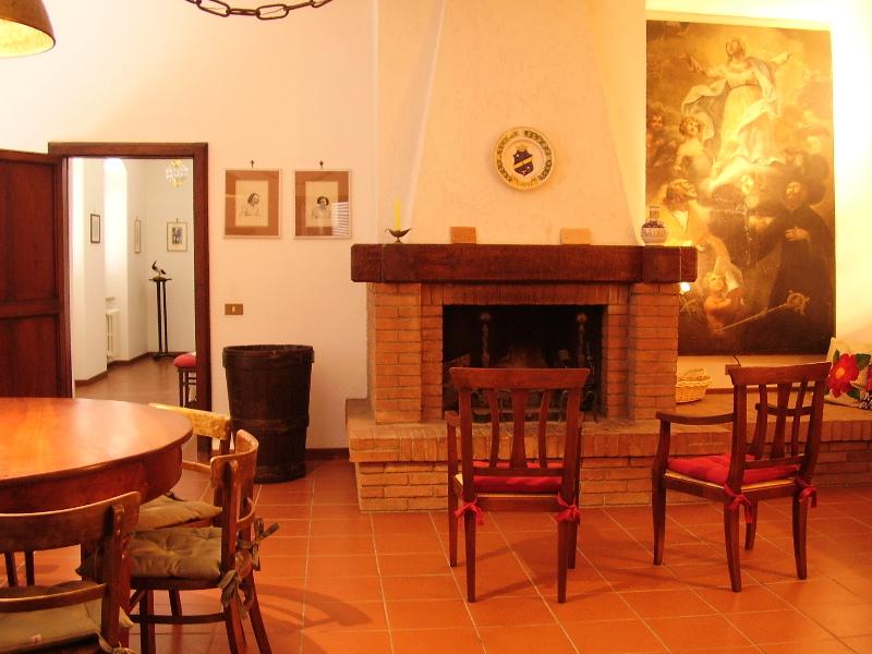 appartamento francescana ii da 5 posti letto nell'agriturismo dea ... - Soggiorno Cucina Con Camino 2
